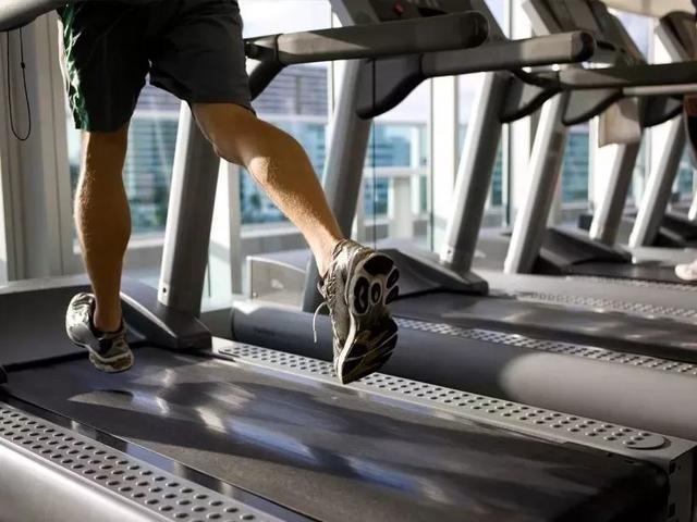 如何在跑步机或椭圆机上增加HIIT训练